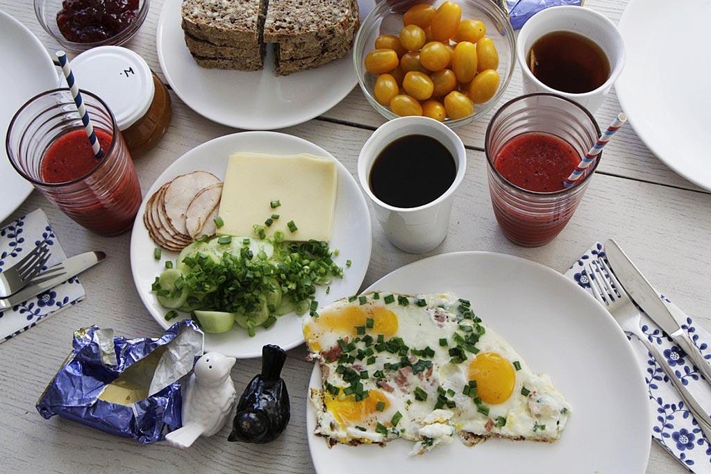sniadanie u tekstualnej