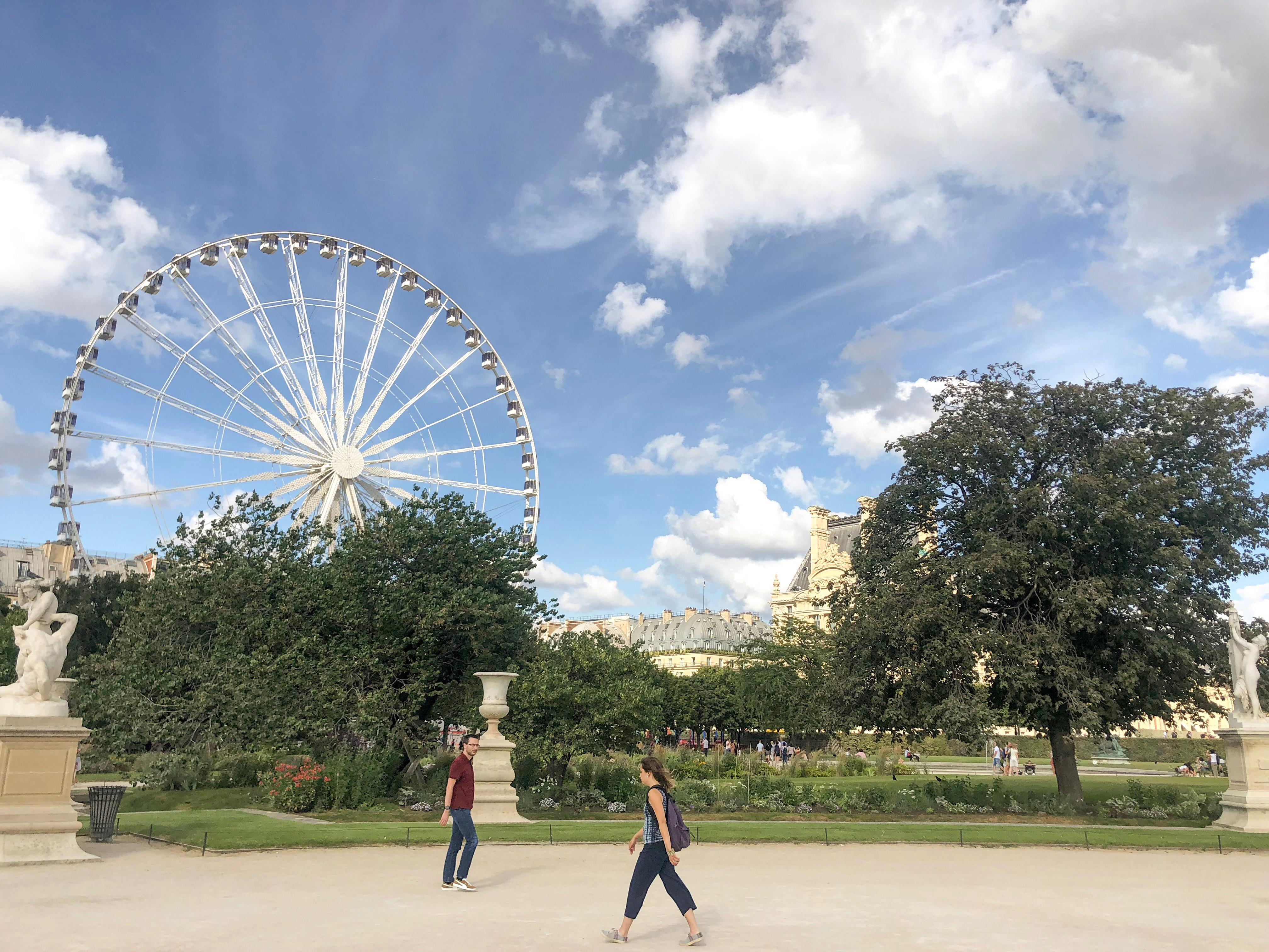 wesołe miasteczko w Paryżu